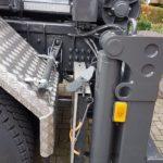 Combilift und Taschensilosteller mit hydraulischer Bodenabstützung von velsycon