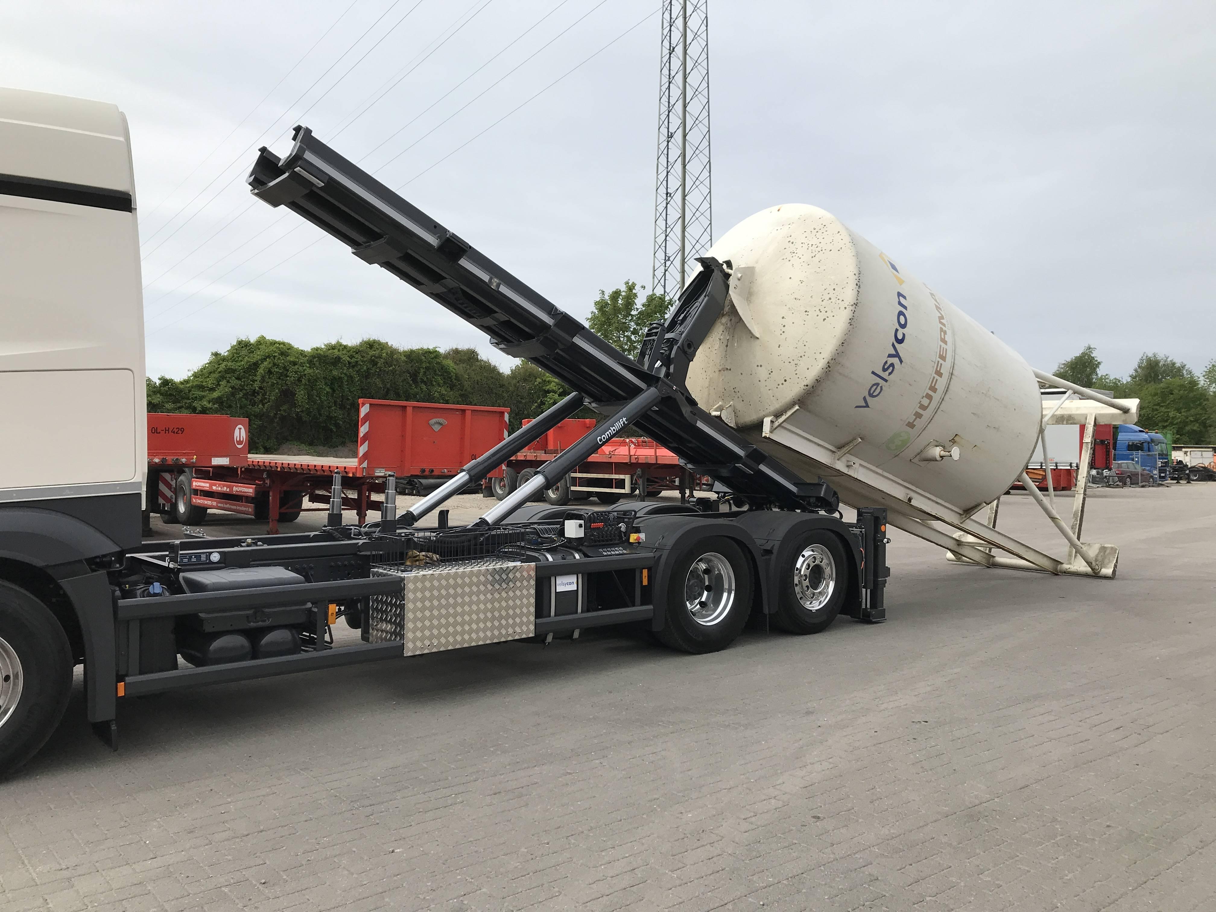 Auslieferung von velsycon - CL 26.72 - Wechselsilos bis 7150mm