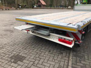 Spezialaufbau - Sonderlösungen - Fahrzeugbau velsycon - Ladekran Aufbauten